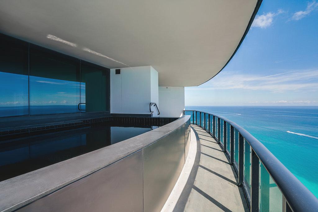 07_porsche_tower_unit_photo_by_MiamiRealEstatePhotographers.com